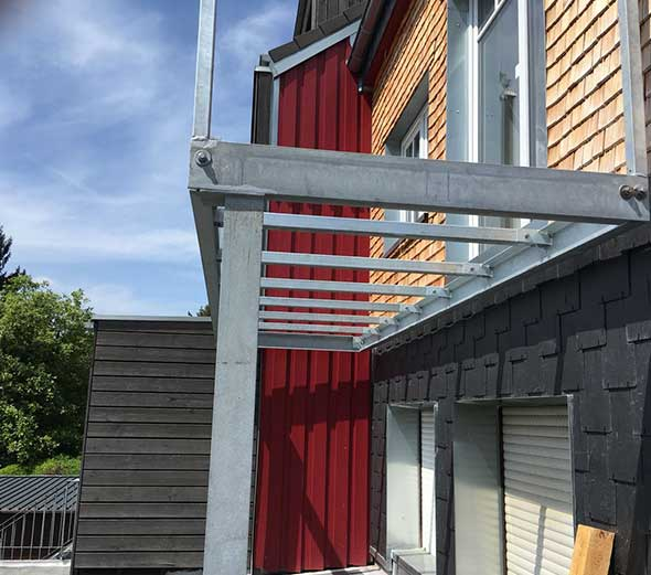 Balkonunterkonstruktion-Stahlkonstruktionen---H+S-Metallbau-GmbH